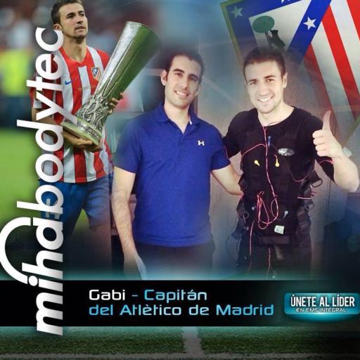Capitan del Atletico de Madrid y miha bodytec